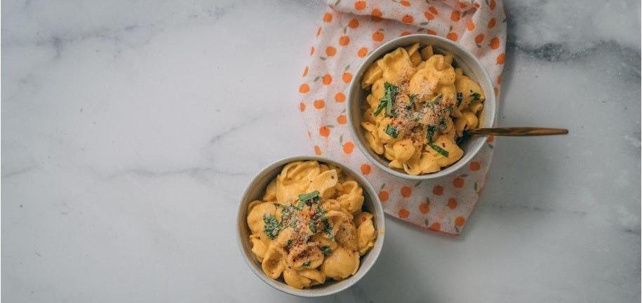 Maccheroni al formaggio cheto, a basso contenuto di carboidrati